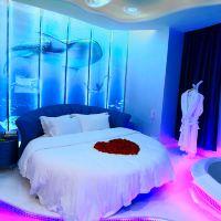 廣州青藍莓主題酒店酒店預訂