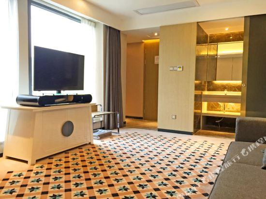 柏高酒店(廣州天河北天平架地鐵站店)(Paco Hotel (Guangzhou Tianhebei Tianpingjia Metro Station))豪華套房