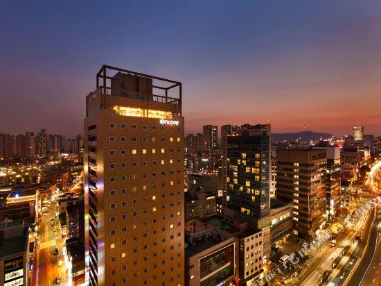 首爾東大門華美達安可酒店(Ramada Encore by Wyndham Seoul Dongdaemun)外觀