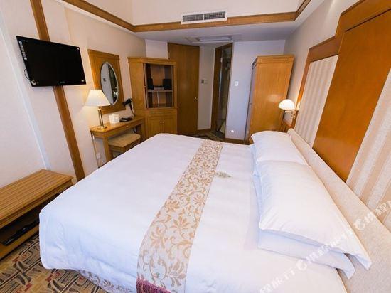 澳門新麗華酒店(Sintra Hotel)標準房(大床)