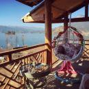 瀘沽湖伴山湖水客棧