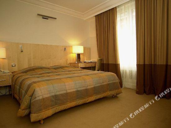 巴黎卡斯蒂尼奧那酒店(Hotel de Castiglione Paris)高級四人房