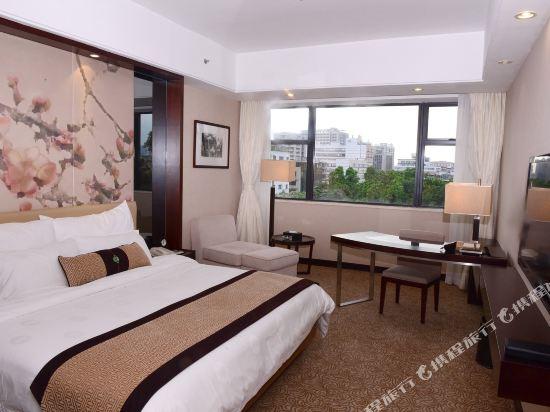 廣東迎賓館(Yingbin Hotel)園景大床房(白雲樓)