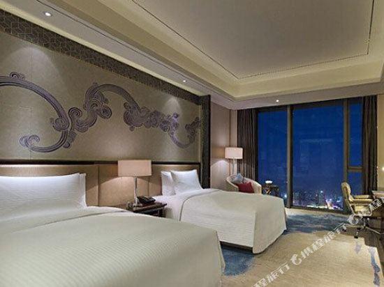 東莞萬達文華酒店行政樓層豪華雙床房