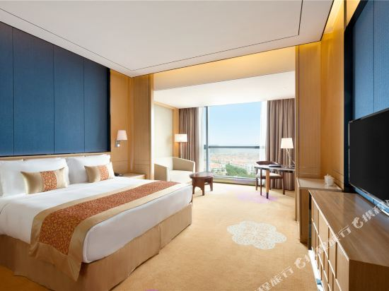 佛山南海華美達酒店(Nanhai Ramada Hotel)豪華大床房