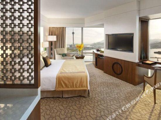 澳門文華東方酒店(Mandarin Oriental Macau)豪華景致三人房