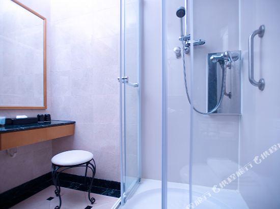 香港華大盛品酒店(BEST WESTERN PLUS Hotel Hong Kong)豪華客房
