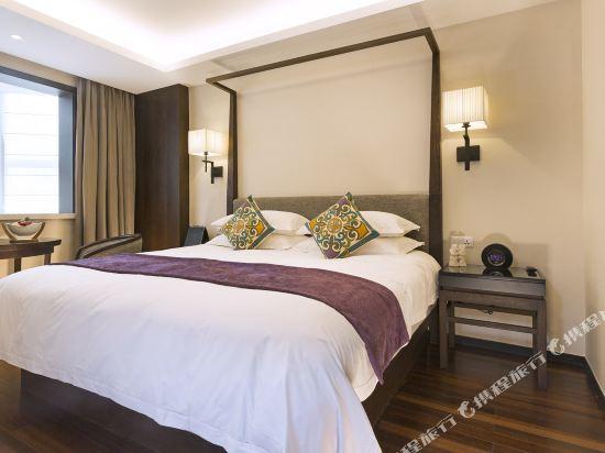 上海同文君亭酒店豪華大床房