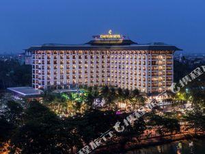 仰光察殿皇家湖酒店(Chatrium Hotel Royal Lake Yangon)