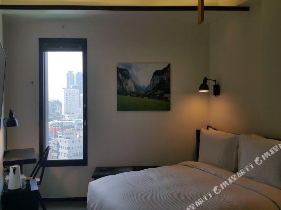 首爾明洞喜普樂吉酒店(原首爾黃金鬱金香M酒店)(Sotetsu Hotels The SPLAISIR Seoul Myeongdong)高級大床房
