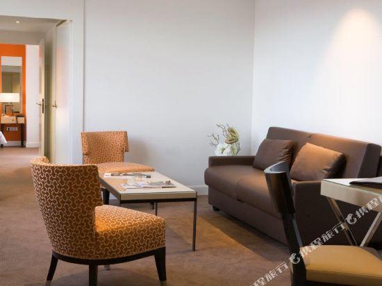 巴黎卡斯蒂尼奧那酒店(Hotel de Castiglione Paris)四人套房