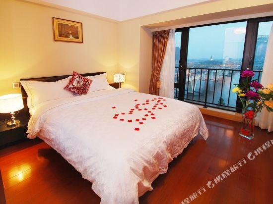 廣州臨江上品維福頓公寓(琶洲會展中心店)(Linjiang Shangpin Weifudun Apartment (Pazhou Complex))豪華江景大床房