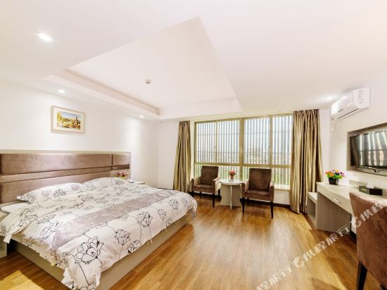尚品假日酒店(廣州新白雲國際機場店)(S P Holiday inn)豪華大床房