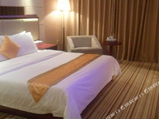 中山平謙精品酒店(Plainvim Boutique Hotel)精品大床房