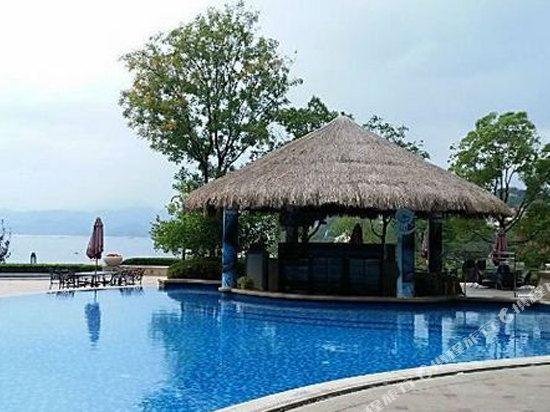 千島湖綠城度假酒店(1000 Island Lake Greentown Resort Hotel)室外游泳池