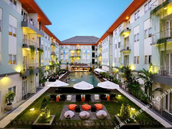Harris Hotel & Residences Riverview - Kuta