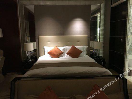 上海中谷小南國花園酒店(WH Ming Hotel)至尊湖景房