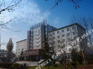 修武萬水千山大酒店