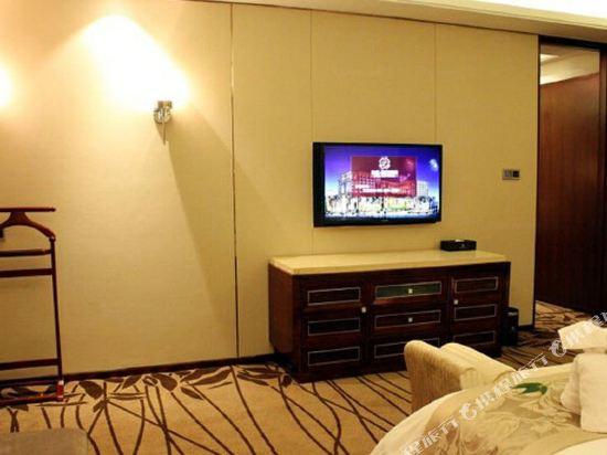 佛山富林朗悅酒店(Longyatt Hotel)家庭套房