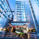 曼谷素坤逸麗笙套房酒店(Radisson Suites Bangkok Sukhumvit)