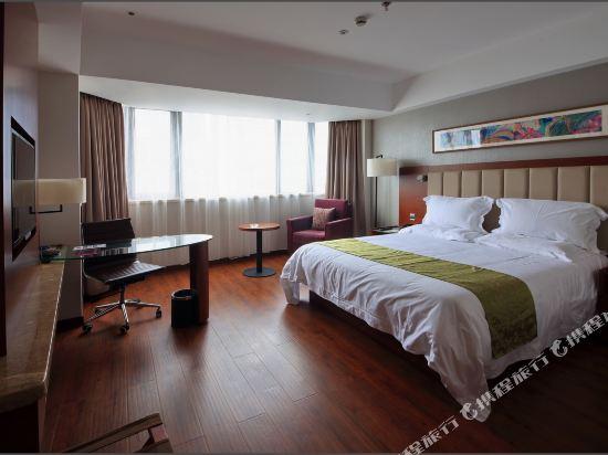 深圳華強北和頤酒店和頤高級大床房