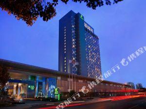 上海浦東綠地假日酒店