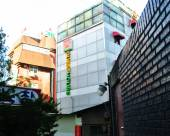 登巴連鎖客棧首爾店