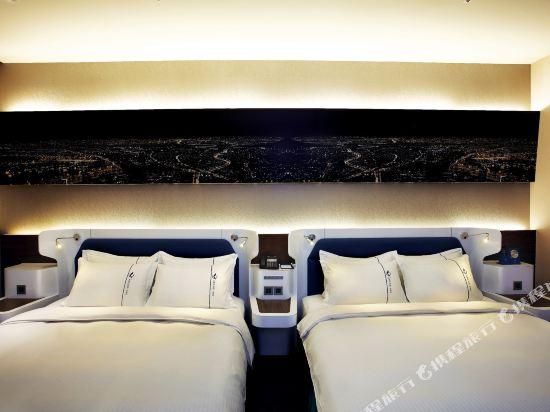 頭等艙飯店(台中綠園道館)(Airline Inn Taichung Green Park Way)豪華四人房