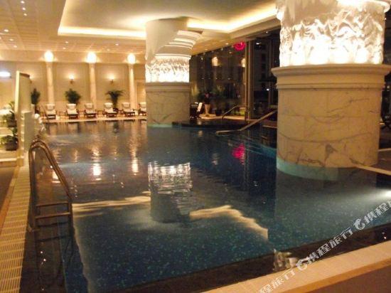 香港半島酒店(The Peninsula Hong Kong)室內游泳池