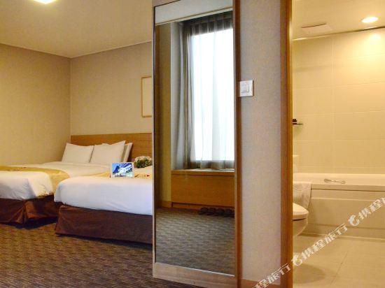 首爾天空花園酒店明洞中心店(Hotel Skypark Central Myeongdong Seoul)豪華家庭房