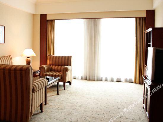 東莞石龍名冠金凱悅酒店(Gladden Hotel (Shilong Town))行政河景套房