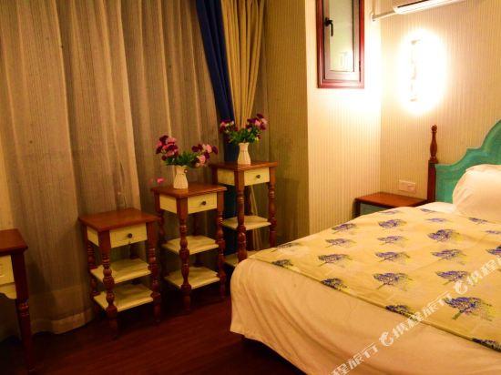 星倫萬達廣場主題公寓(廣州長隆店)地中海式家庭歡樂套房兩房一廳
