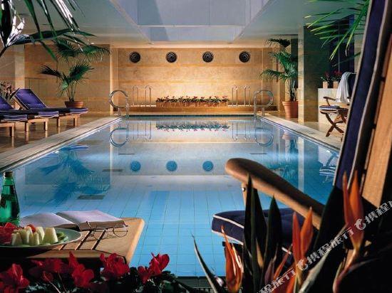 台北威斯汀六福皇宮(The Westin Taipei)室內游泳池