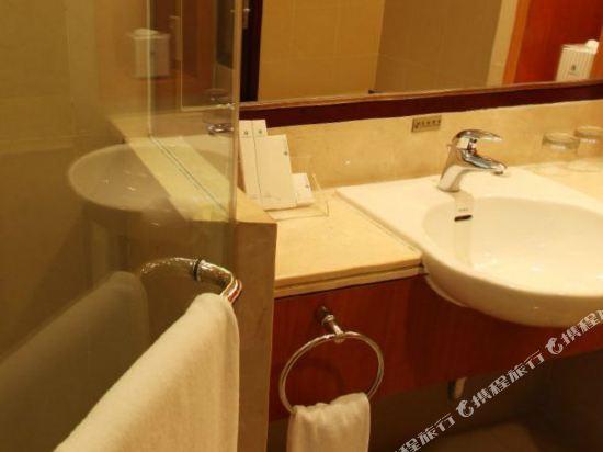 中山金鑽酒店(Golden Diamond Hotel)公寓3房2廳