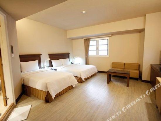 樂逸商旅(高雄六合夜市南華館店)(La Hotel)豪華3人房