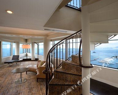 福岡海鷹希爾頓酒店(Hilton Fukuoka Sea Hawk)複式特大床套房