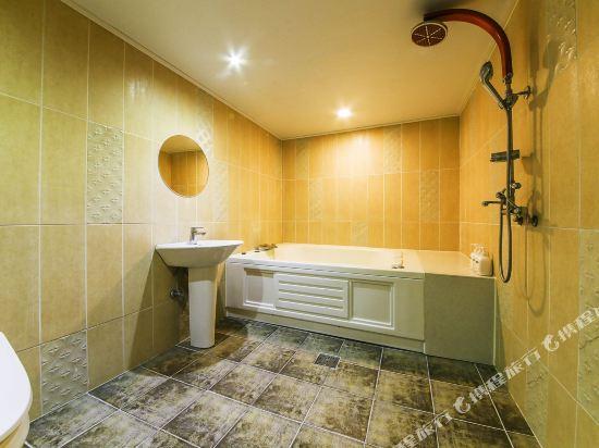 OZ温泉浴場酒店(Hotel OZ Oncheonjang)VIP大床房