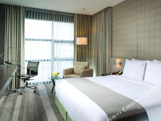 曼谷素坤逸假日酒店(Holiday Inn Bangkok Sukhumvit)豪華房