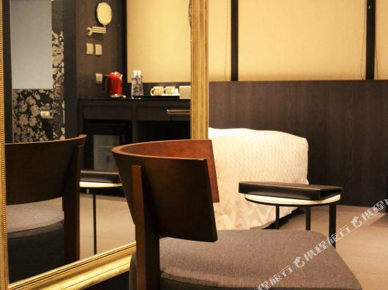 高雄樂逸旅居(La Inn)標準客房