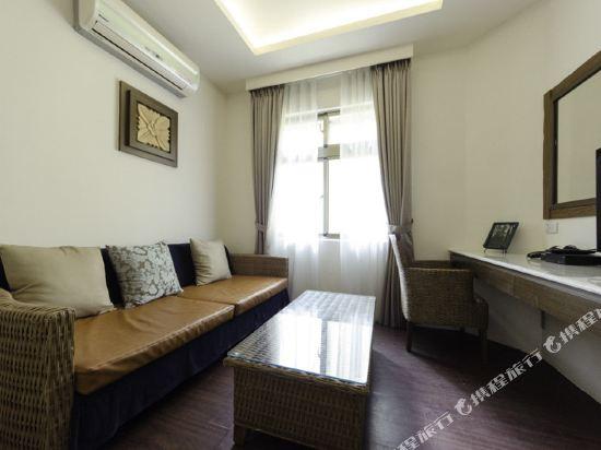 屏東墾丁大街海逸渡假旅店民宿(Haiye Guest House Hostel)精緻六人房