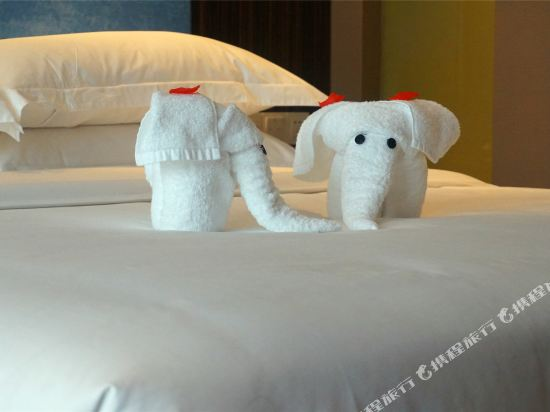昆明花之城豪生國際大酒店(蘭花苑)(Howard Johnson Flower City Hotel Kunming (Lanhua Yuan))高級大床房