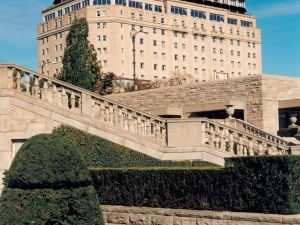 尼亞加拉瀑布皇冠假日酒店(Crowne Plaza Niagara Falls Fallsview)