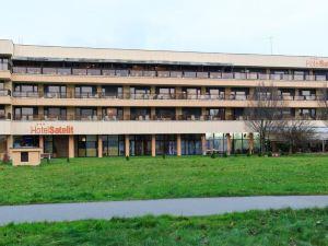 衛星酒店(Hotel Satelit)