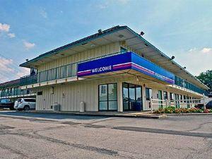 匹茲堡6號汽車旅館 - 克拉夫(Motel 6 Pittsburgh - Crafton)
