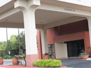 南醫療中心貝斯特韋斯特優質酒店(Best Western Plus Medical Center South)
