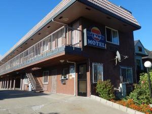 灣景汽車旅館(Bayview Motel)