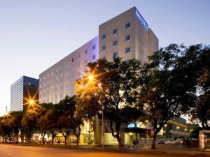 塞維利亞馬奎斯德爾尼爾維昂諾富特酒店(Novotel Sevilla Marqués del Nervion)