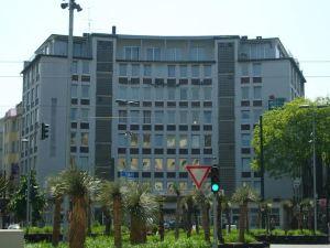 多摩莫蒂爾酒店(Domo Hotel Mondial)