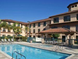 卡馬里奧歡朋套房酒店(Hampton Inn and Suites Camarillo)