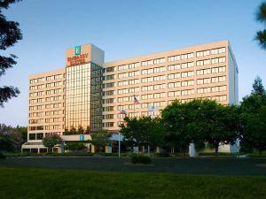 聖克拉拉-硅谷尊盛酒店(Embassy Suites Santa Clara-Silicon Valley)